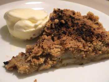 Apple and almond crumble (crumble di mele e mandorle)